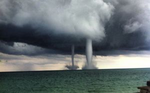 water-spouts-lake-michigant-935-1